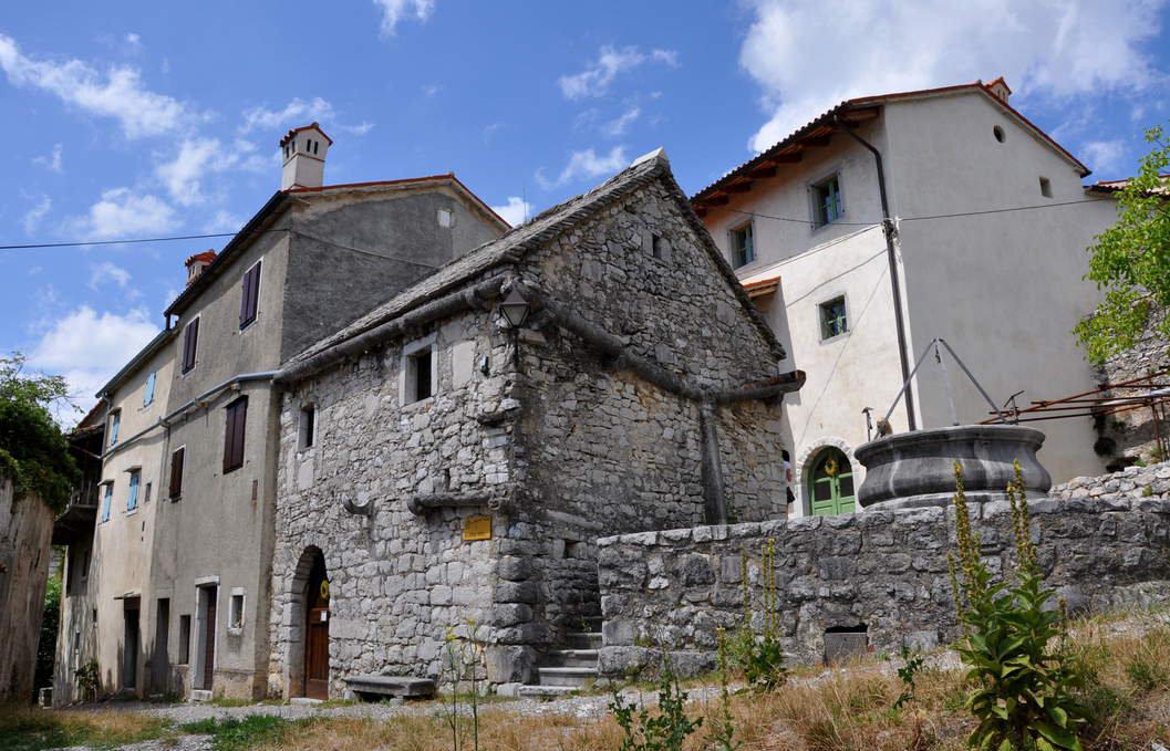 Kraška hiša, (vir: kraji.eu)