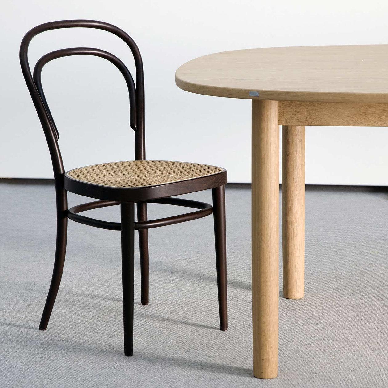Michael Thonet, Thonet chair, od 200 EUR vir: www.aram.co.uk