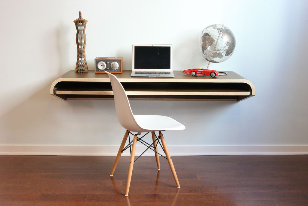 Orange22, Float Wall Desk, od 500 eur naprej vir: cdn.shopify.com